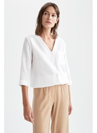 DeFacto V Yaka Cep Detaylı Yarım Kollu Gömlek Beyaz